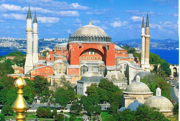 """De filosofie achter Erdogans """"herovering"""" van de Hagia Sophia"""
